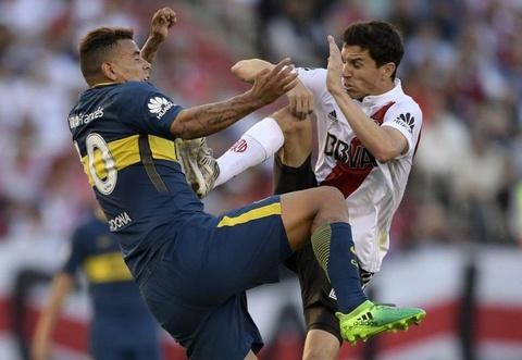 Video cau thu River Plate tai hien cu dap cua De Jong hinh anh