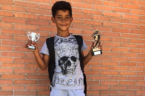 Con trai Ronaldo ghi 6 ban thu hut hon 6 trieu luot xem hinh anh