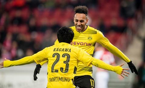 Dortmund cat chuoi 12 tran khong thang ngay sau sa thai HLV hinh anh