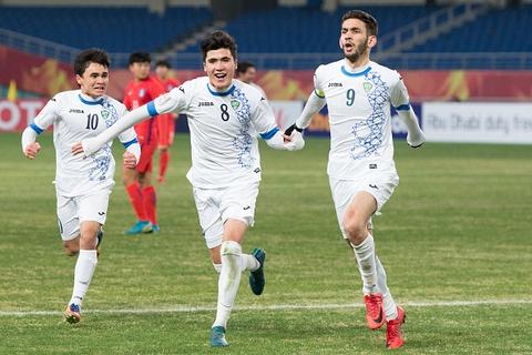 Hay can than, U23 Uzbekistan cung la chuyen gia sut luan luu hinh anh