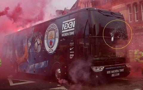 Thanh vien Man City quay lai vu tan cong dang so cua CDV Liverpool hinh anh