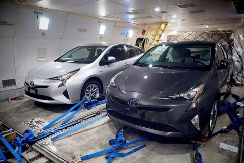 Lo anh Toyota Prius hoan toan moi hinh anh