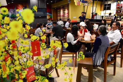 Gioi kinh doanh Sai Gon thue lan - su - rong khai truong hinh anh 15
