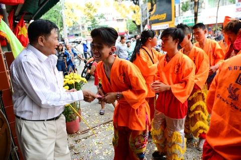 Gioi kinh doanh Sai Gon thue lan - su - rong khai truong hinh anh 7
