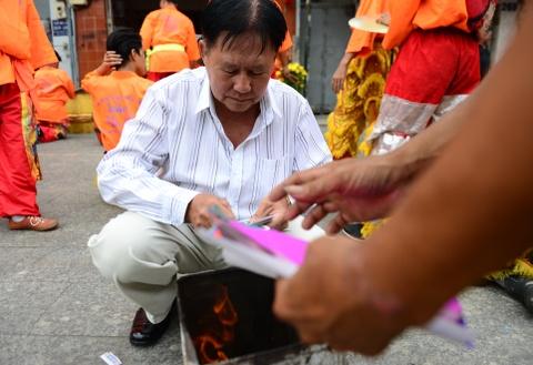 Gioi kinh doanh Sai Gon thue lan - su - rong khai truong hinh anh 8