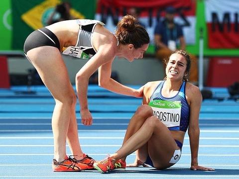 Tinh than Olympic cua Abbey D'Agostino va Nikki Hamblin hinh anh
