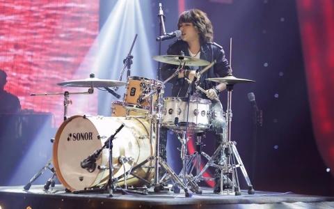 Tiet muc 'dot chay' san khau Vietnam Idol Kids 2017 cua Thien Khoi hinh anh