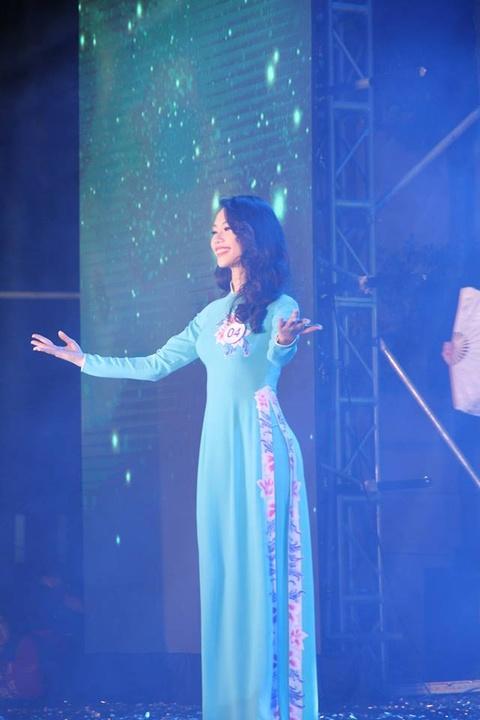 Tan hoa khoi DH Ngoai thuong: 'Minh khong co y dinh tham gia showbiz' hinh anh 4