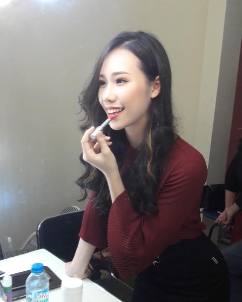 Tan hoa khoi DH Ngoai thuong: 'Minh khong co y dinh tham gia showbiz' hinh anh 11