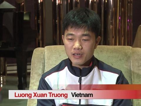 Man noi tieng Anh luu loat cua doi truong Xuan Truong hut dan mang hinh anh