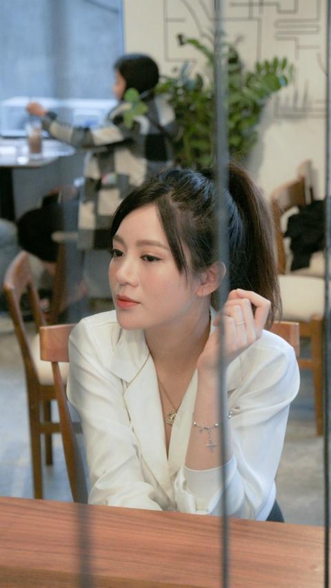Hot girl Tu Linh: 'Chong minh khong phai dai gia' hinh anh 13