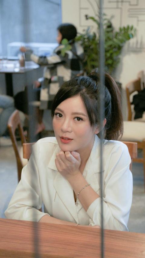 Hot girl Tu Linh: 'Chong minh khong phai dai gia' hinh anh 12
