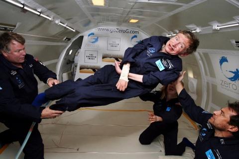 Nghi luc song phi thuong cua Stephen Hawking dang de nguoi tre hoc hoi hinh anh 3