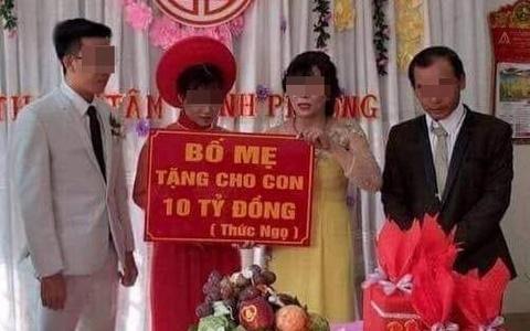 Doi tre Binh Phuoc duoc cha me trao qua cuoi 10 ty gay chu y tuan qua hinh anh