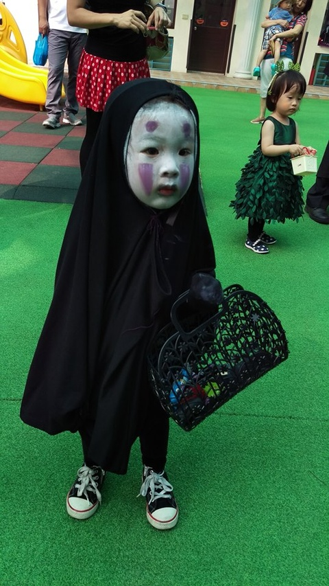 'Co be Vo Dien' hot nhat mua Halloween 2016 gio ra sao? hinh anh 2