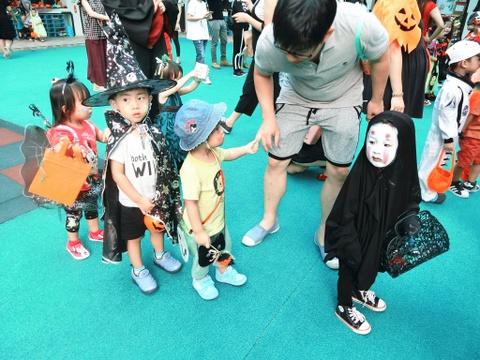 'Co be Vo Dien' hot nhat mua Halloween 2016 gio ra sao? hinh anh 1