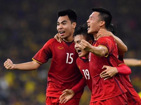 Dân mạng đồng loạt chúc mừng đội tuyển Việt Nam vô địch AFF Cup 2018