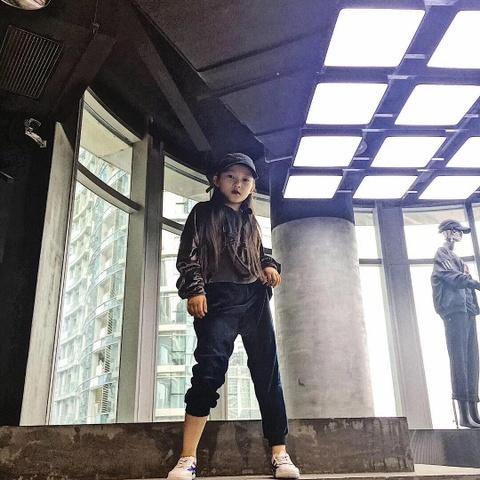 'Than dong hip hop' 10 tuoi va ap luc phai chiu vi noi tieng qua som hinh anh 8
