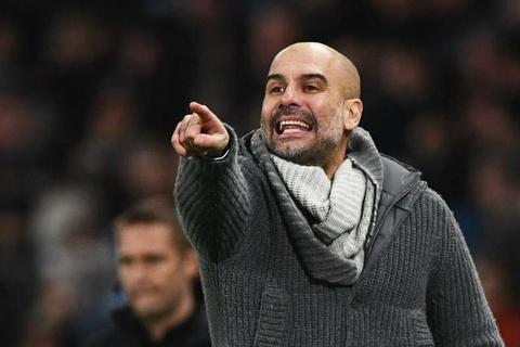 HLV Pep Guardiola: 'Toi thich dung o vi tri cua Liverpool hon' hinh anh