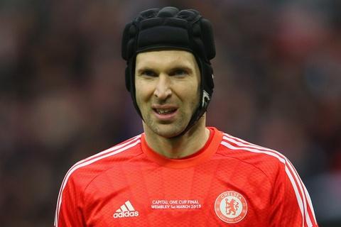 Petr Cech trở lại đội hình Chelsea sau khi giải nghệ