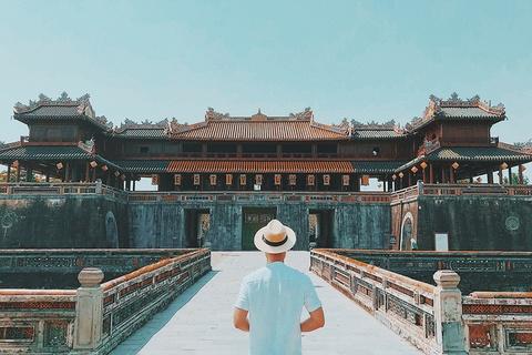 #Mytour: 9X An Giang va chuyen kham pha Hue chi trong mot ngay hinh anh