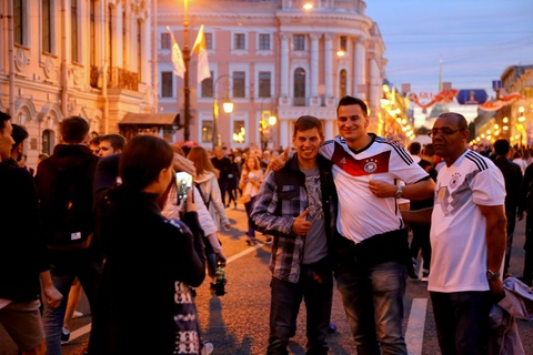 #Mytour: Dem trang va cai lanh thau cua Saint Petersburg mua World Cup hinh anh 15