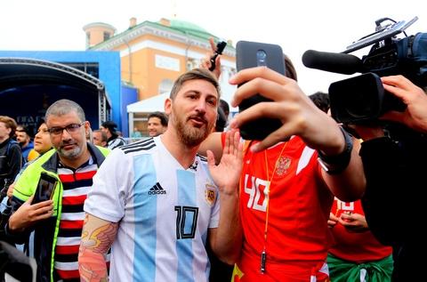 #Mytour: Dem trang va cai lanh thau cua Saint Petersburg mua World Cup hinh anh 19