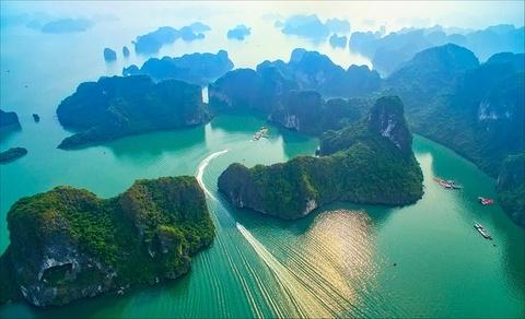 Vinh Ha Long dan dau danh sach diem den hang dau Viet Nam 2018 hinh anh 5