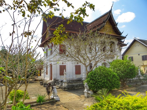 Den Luang Prabang tim lai hinh dang xua nuoc Lao hinh anh 12