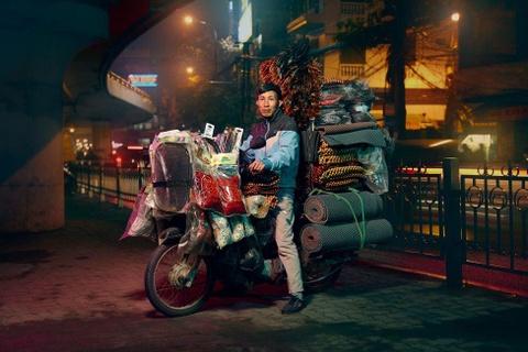 Tai xe xe may va 'the gioi phia yen sau' duoi ong kinh du khach Anh hinh anh 1