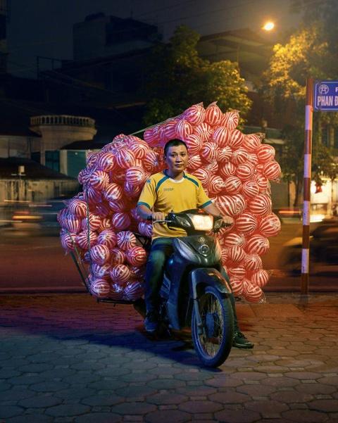 Tai xe xe may va 'the gioi phia yen sau' duoi ong kinh du khach Anh hinh anh 5