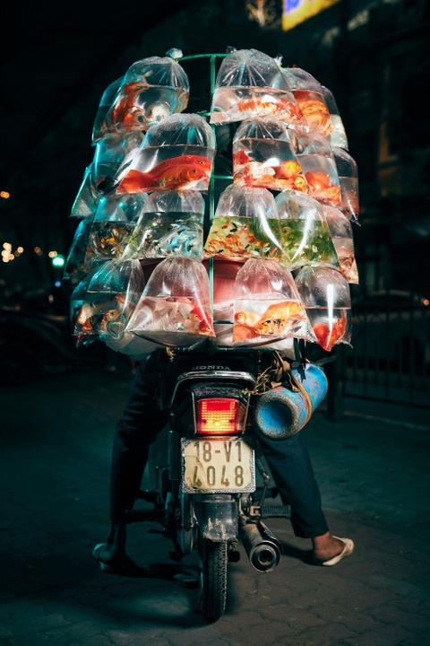 Tai xe xe may va 'the gioi phia yen sau' duoi ong kinh du khach Anh hinh anh 6