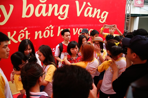 Nuoc mat roi trong ngay hoi hien mau Ruy Bang Vang hinh anh 6