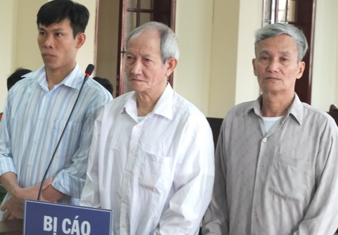 Hai cha con cung linh an ve toi giet nguoi hinh anh