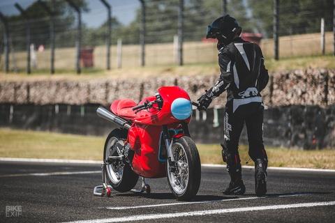 Ducati Scrambler do phong cach xe dua hinh anh 12