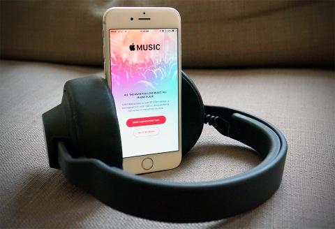 Tim Cook: 'Chung toi tao ra Apple Music khong phai vi tien' hinh anh