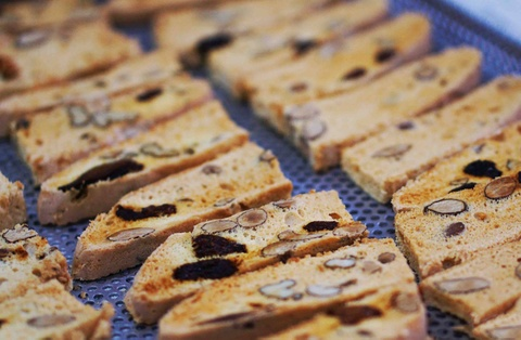 Cach lam banh Biscotti gion tan, thom nuc chuan vi Italy hinh anh