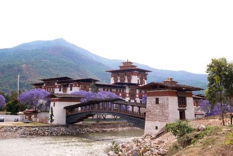 Den Bhutan, ngam phuong tim no rop troi vuong quoc hanh phuc hinh anh 7