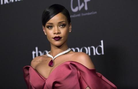 Bên trong biệt thự mà nữ ca sĩ giàu nhất thế giới Rihanna rao bán