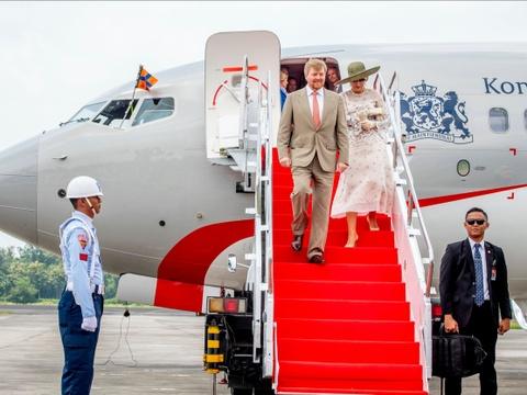 Bên trong phi cơ hoàng gia xa xỉ mà vua Hà Lan tự lái