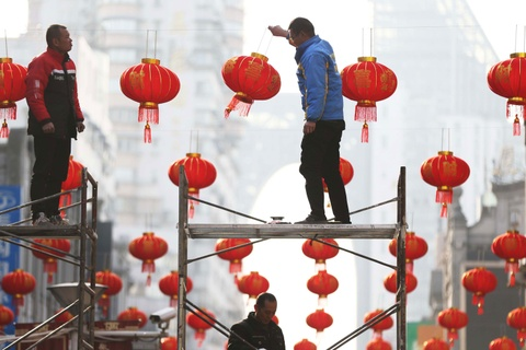 Le hoi den long Trung Hoa to diem mua Tet truyen thong hinh anh 2