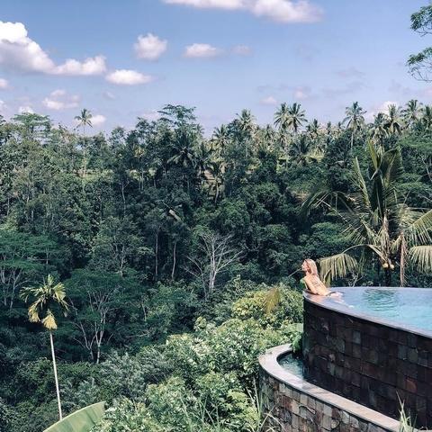 Khach san bong bong tai Bali thu hut gioi tre sanh dieu den check-in hinh anh 10