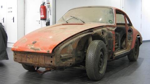 Hanh trinh hoi sinh xe Porsche 901 1964 huyen thoai da cu nat hinh anh 3
