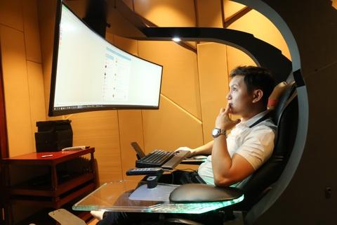 Ghế ngồi chơi game giá 99 triệu ở Việt Nam