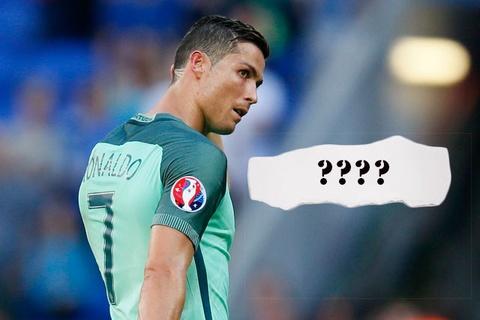 Fan 'che' noi dung manh giay bi an Ronaldo nhan tu HLV hinh anh