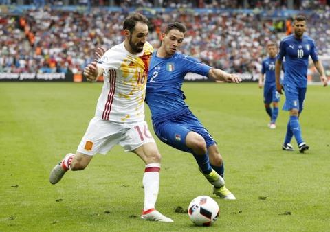 Chiellini hay nhat tran Italy vs Tay Ban Nha hinh anh 14