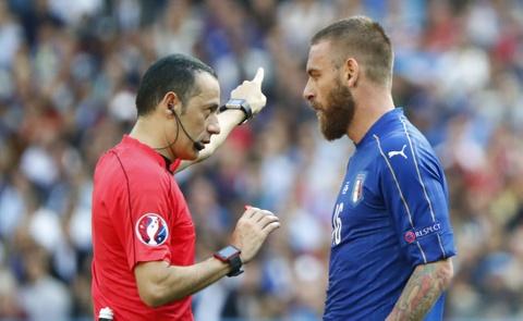 Chiellini hay nhat tran Italy vs Tay Ban Nha hinh anh 8