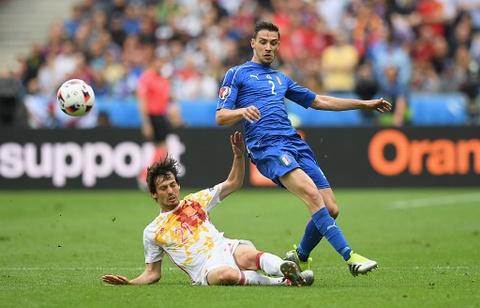 Chiellini hay nhat tran Italy vs Tay Ban Nha hinh anh 10