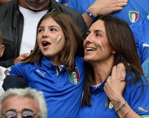 Nguoi Italy vo oa sau chien thang lich su truoc Tay Ban Nha hinh anh 6