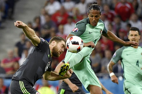 Ronaldo - cau thu hay nhat tran Bo Dao Nha vs Wales hinh anh 5